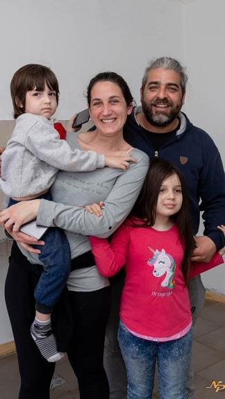 Las primeras familias dan comienzo al nuevo desafío de re-migrar hacia pueblos rurales.