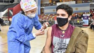 CABA abre la inscripción para vacunarse a adolescentes con factores de riesgo