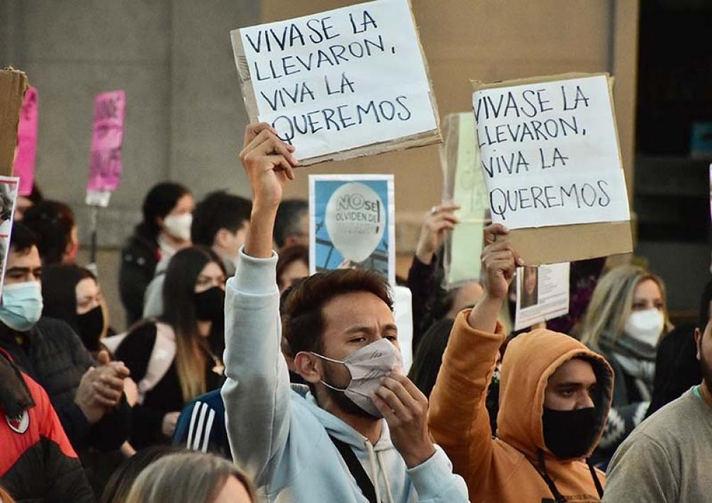 A un mes de la desaparición de Guadalupe Belén Lucero, sus familiares realizaron una marcha. Foto: Marianela Sánchez/El Diario de la República.