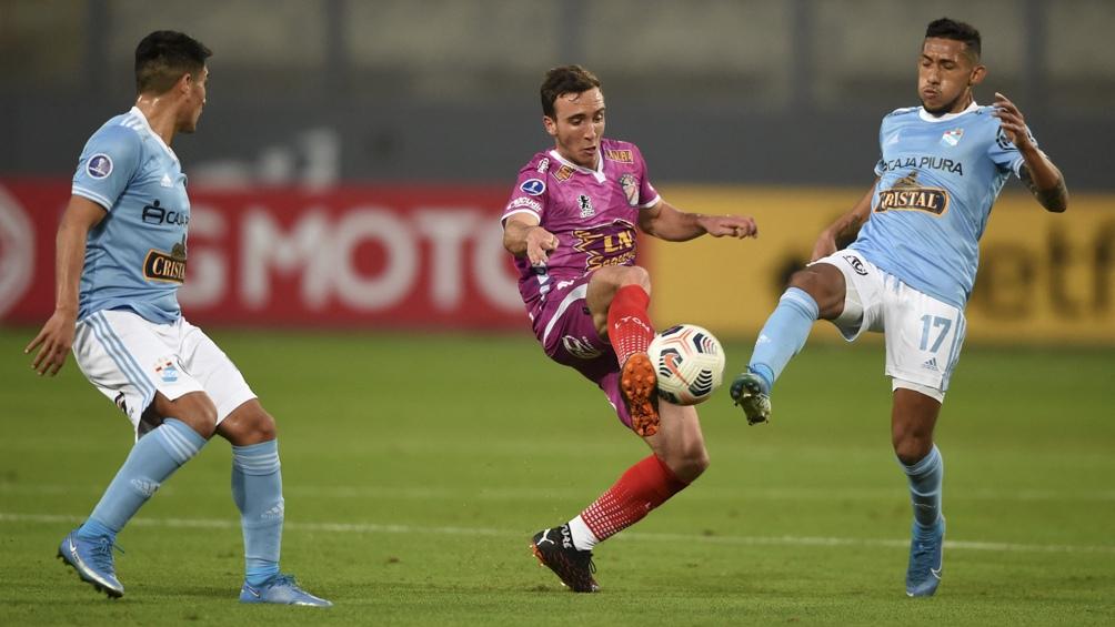 Arsenal intentará revertir la desventaja que trae de Perú.
