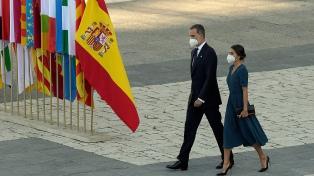 España homenajeó al personal de salud y a las víctimas del coronavirus