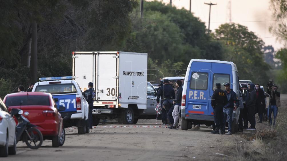 El auto fue hallado cerca de la  Escuela Hogar, y fue sometido a peritajes. Foto: Saravia Hernán