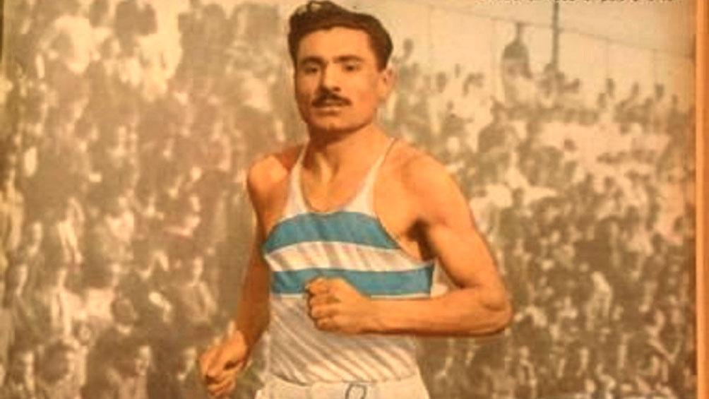Delfo Cabrera devino héroe del deporte argentino cuando ganó la maratón Olímpica de los Juegos Olímpicos de 1948.