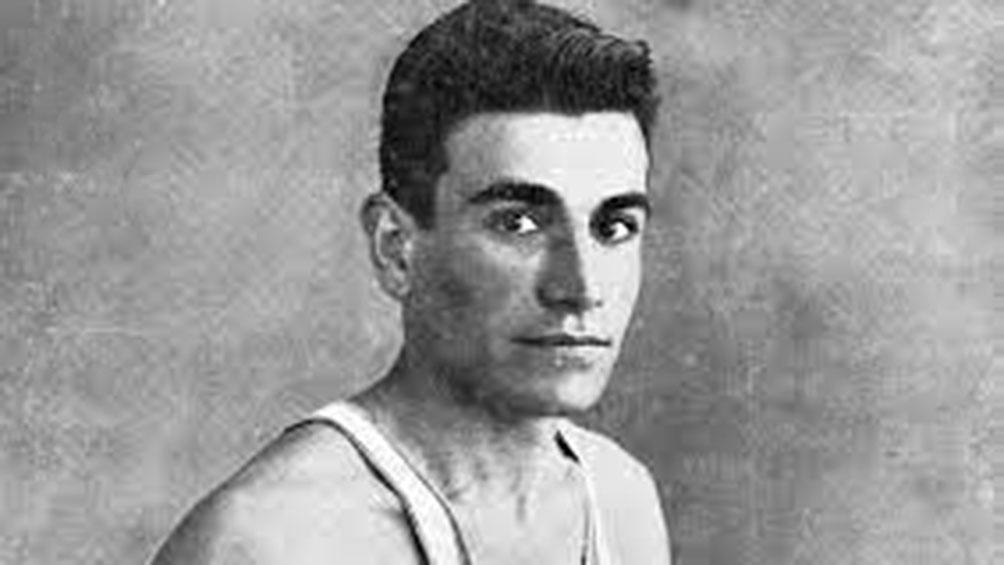 Zabala fue premio Deportes Konex de Platino en 1980 y Diploma en al Mérito en Atletismo.
