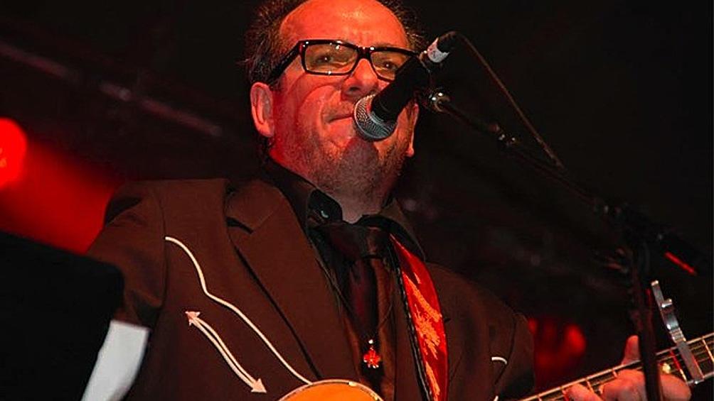 Elvis Costello,primer adelanto de su lanzamiento de septiembre, en redes