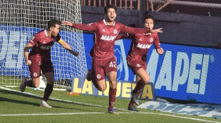 En un partido intenso, Lanús le ganó  4 a 2 Atlético Tucumán