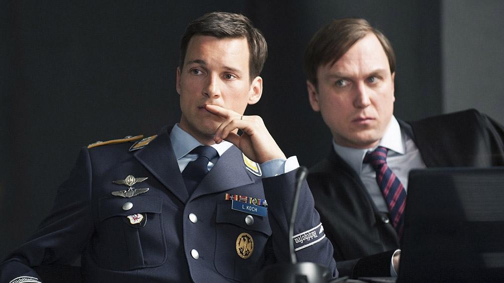 El público podrá oficiar en tiempo real como jurado en el juicio al militar.