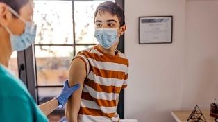 """La población pediátrica """"debe ser vacunada para llegar a la inmunización de rebaño"""""""