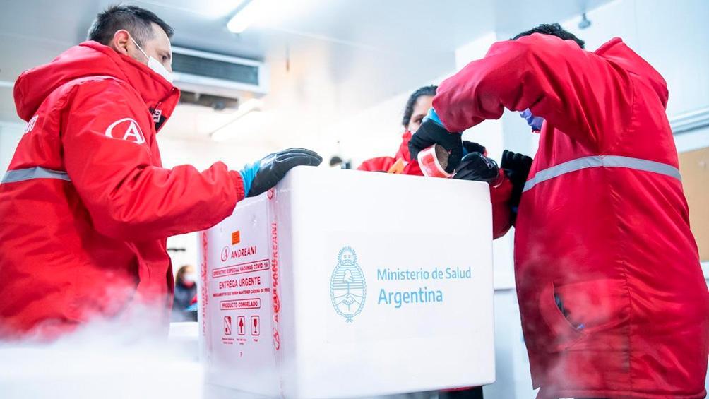 Alberto Fernández señaló que se seguirán aplicando las primeras dosis a los y las adolescentes entre 12 y 17 años que hayan sido priorizados