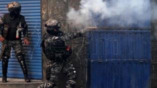El Gobierno amplió la denuncia por el desvío de material represivo a Bolivia
