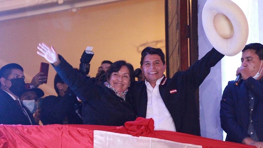 """""""Hoy, hermanas y hermanos, inicia una nueva etapa en nuestra historia"""", dijo Castillo."""