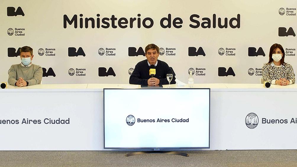 """El ministro de Salud porteño, Fernán Quirós, destacó que los pasaportes sanitarios se utilizan en el mundo """"para garantizar la seguridad de las personas que hacen actividades sociales"""" y para """"dar un estímulo para aquellos que están dudando si vacunarse o"""