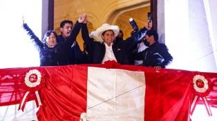 En  paz, con clima de fiesta y mucha policía, Lima espera la asunción de Castillo