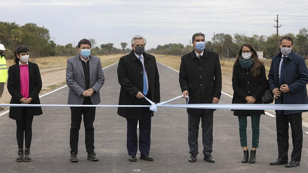 Fernández inaiguró en Chaco obras de pavimentación de un tramo de 40 kilómetros de la Ruta Provincial 7.