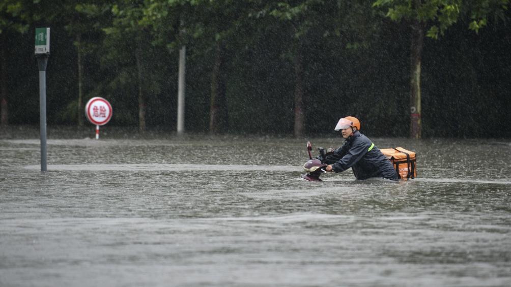 Se advirtió sobre el riesgo inminente de la ruptura de una represa azotada por las lluvias.