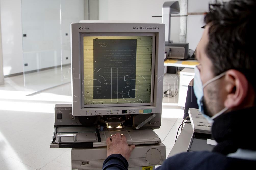 El archivo está en proceso de digitalización de sus materiales. El rubro audiovisuales ya lo está en un 75%. (Foto: Leo Vaca/Télam).