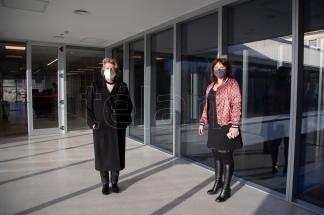 Claudia Wentzel (asesora de la direccion general) y Samanta Casareto (Directora de Gestion de Fondos documentales)