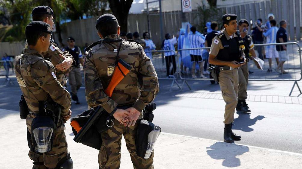 La Policía de Minas Gerais justificó el uso de gases en la zona de vestuario contra Boca