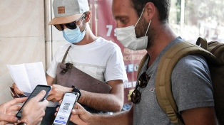 """Francia: ya exigen el """"pase sanitario"""" obligatorio para ingresar eventos masivos"""