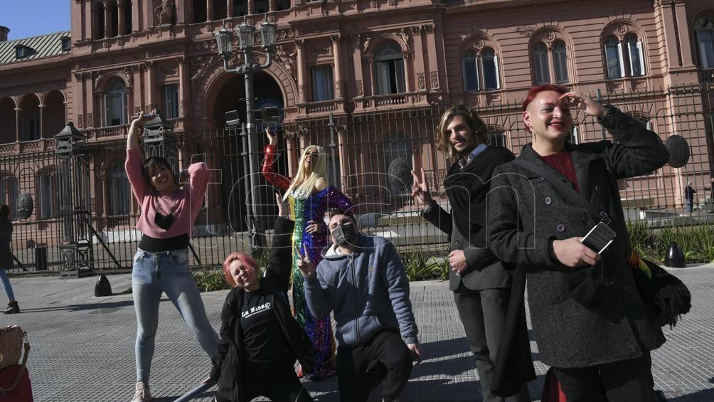 Las organizaciones de la diversidad también celebraron el Decreto presidencial N°476/21. Foto: Pablo Añeli.