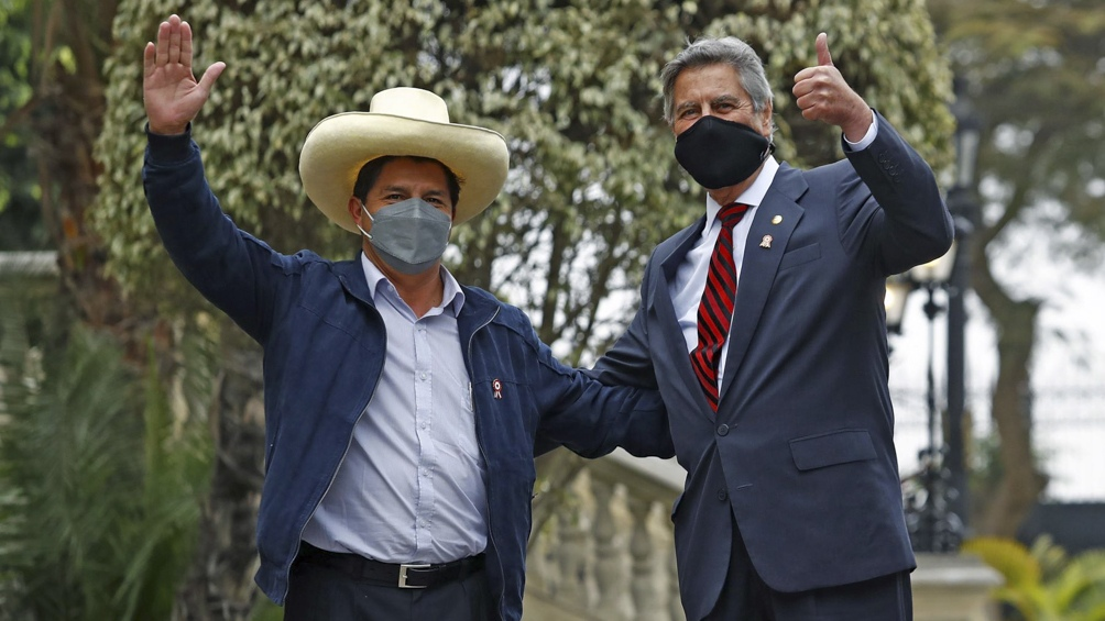 El presidente electo de Perú se reunió con el mandatario saliente del país