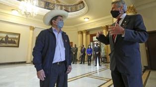 EEUU felicitó a Pedro Castillo con la intención de incidir en la política exterior peruana