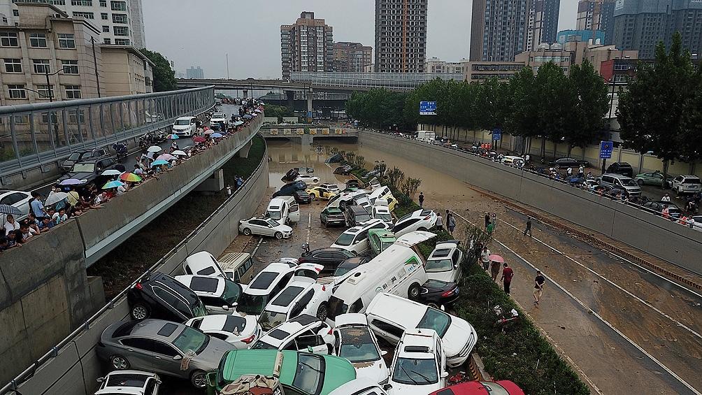 Unas 376.000 personas fueron evacuadas y más de 200.000 hectáreas quedaron sumergidas. (Foto: AFP)