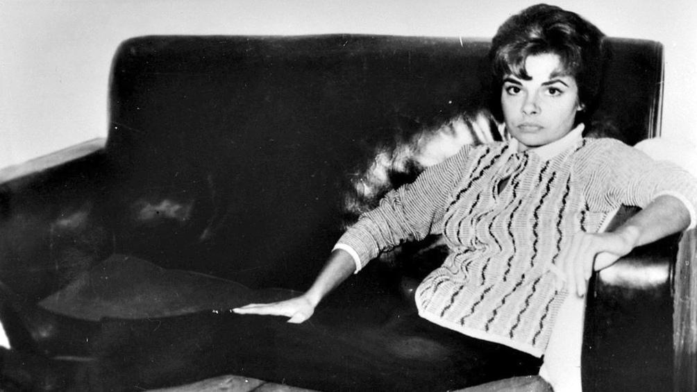 Cual personaje de una novela de Raymond Chandler, Nélida era toda una seductora fatal.