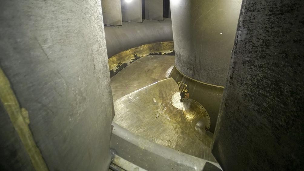 Yacyretá está operando en la actualidad con 12 de sus 20 turbinas generadoras.