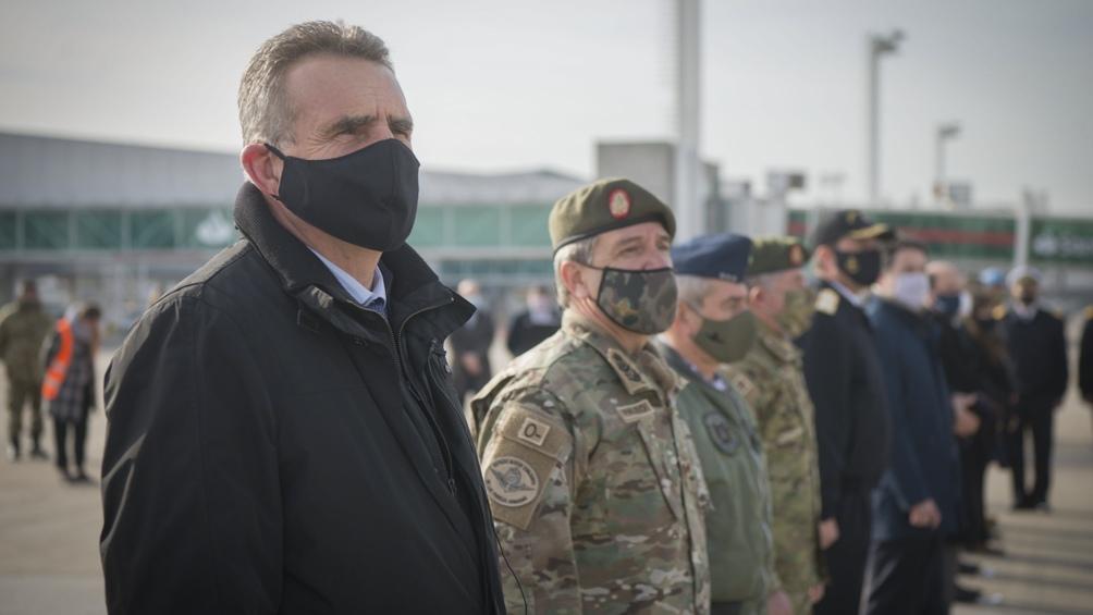 Agustín Rossi despidió a un nuevo contingente de Cascos Azules que partió hacia la Fuerza de las Naciones Unidas para el Mantenimiento de la Paz en Chipre