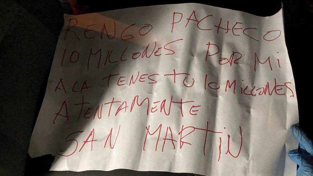 El mensaje fue encontrado junto al cuerpo del oficial.