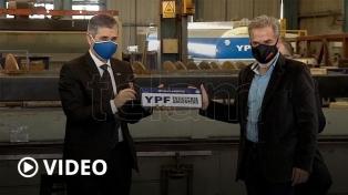 Kulfas encabezó el acto de entrega de equipamiento nacional a YPF