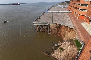 Tras el derrumbe de una barranca en Rosario, peritan la zona para evitar nuevos hundimientos