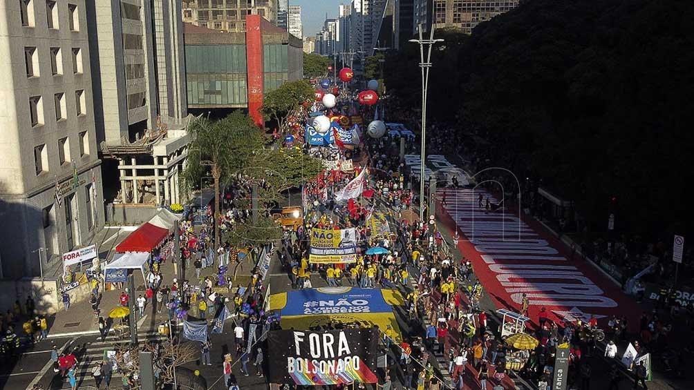 Las protestas en las calles brasileñas reunieron a miles de personas.