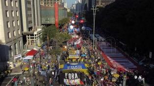 Miles de brasileños salieron a las calles para pedir un juicio político a Bolsonaro