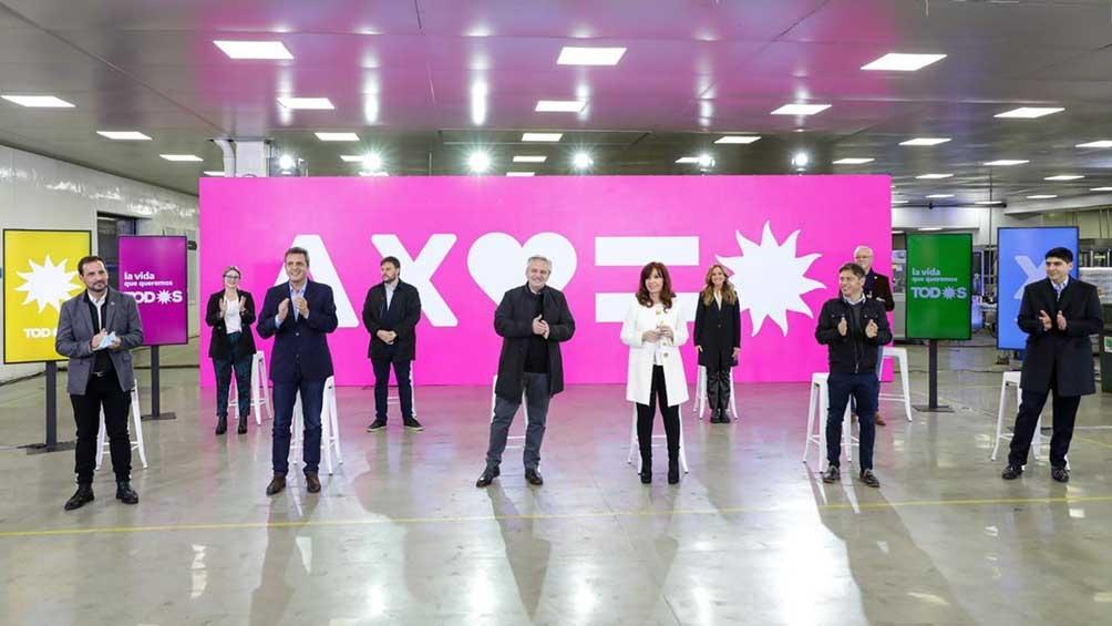 El presidente Alberto Fernández y la vicepresidenta Cristina Fernández de Kirchner encabezaron el acto en la histórica fábrica Queruclor, de capitales nacionales.