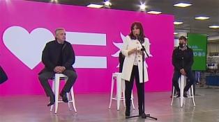 """Cristina sobre el gobierno macrista: """"En cuatro años casi nos lleva al tacho a todos"""""""