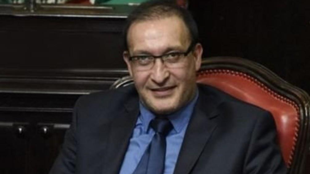 Luis Vivona, actual senador y cabeza de lista por la Primera Sección electoral.