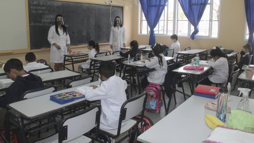 La nueva normativa porteña que elimina la distancia social entre alumnos ya había merecido el cuestionamiento de los gremios docentes. Foto: José Gandolfi.