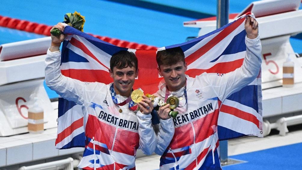 Con su compañero de equipo consiguieron el oro para Gran Bretaña (Foto AFP).