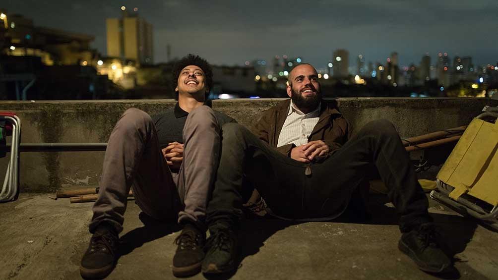 """Luis Navarro y el rapero Dexter en """"Pico de neblina""""."""