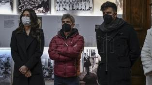 Tras el escándalo, el �Chato� Prada, Hoppe y �Jujuy� Jiménez visitaron el Museo Ana Frank