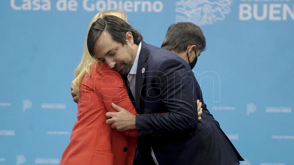 El abrazo con la vicegobernadora. Foto: Eva Cabrera.