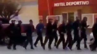 """Repudian un canto """"motivacional"""" de la policía de Chubut en contra de los piqueteros"""