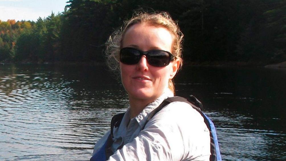 Elizabeth Turner, profesora de la universidad canadiense Laurentienne, buscó esos fósiles en capas geológicas de arrecifes que datan de 890 millones de años atrás.