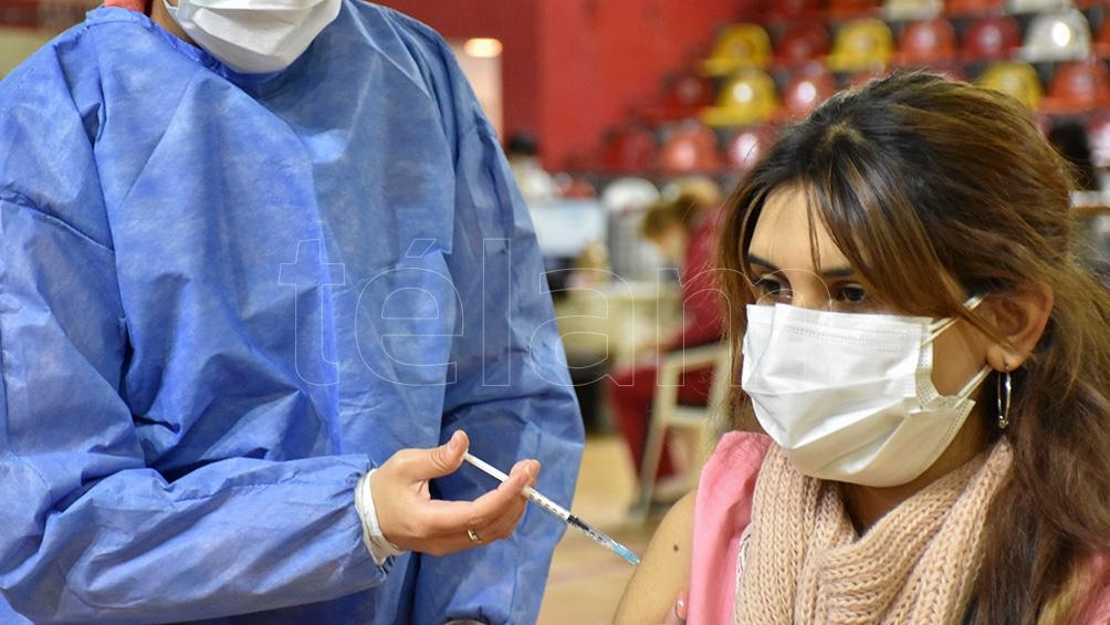 """El Centro Gamaleya aseguró que la vacuna Sputnik V tiene una efectividad de más del """"90 por ciento"""" contra esta variante. Foto: Rubén Paratore"""