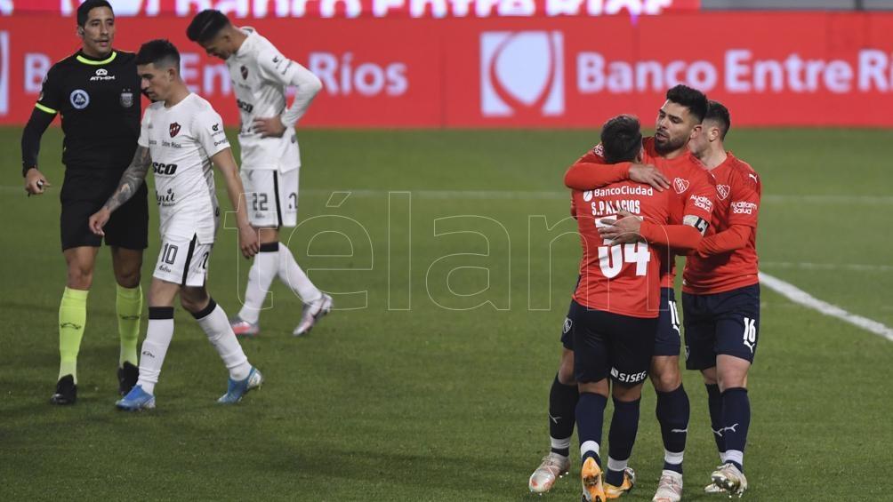 Independiente festeja el primero en Avellaneda. (Foto Maximiliano Luna)