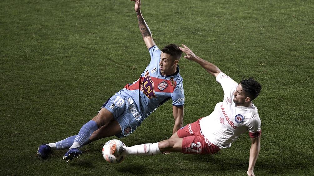 Arsenal busca su primer triunfo en Sarandí ante Argentinos por la Liga Profesional