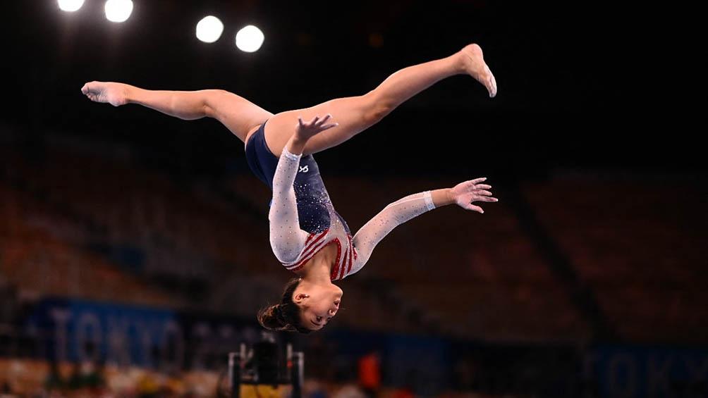 Sunisa Lee una nueva estrella en la gimnasia artística.