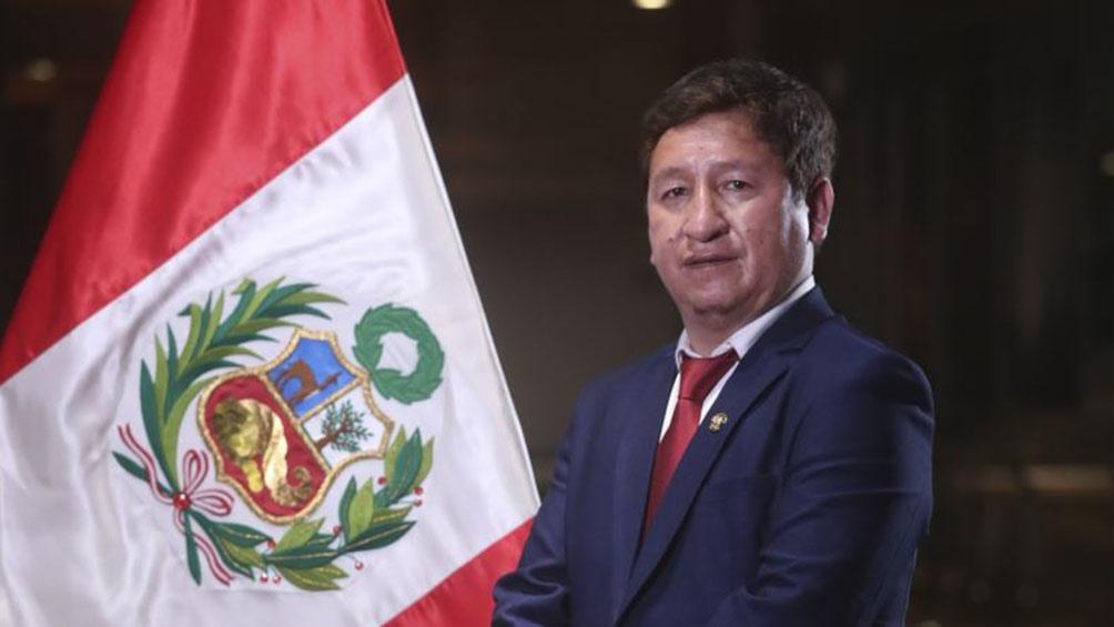 Castillo busca alejarse de sectores más radicales de la izquierda peruana